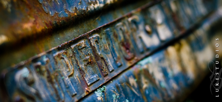 FeaturedImage-Rusted-Colorful-Mechanical-Machinery-Textures