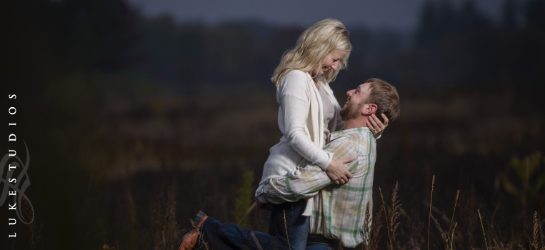 FeaturedImage-Country-Field-Engagement-Couple