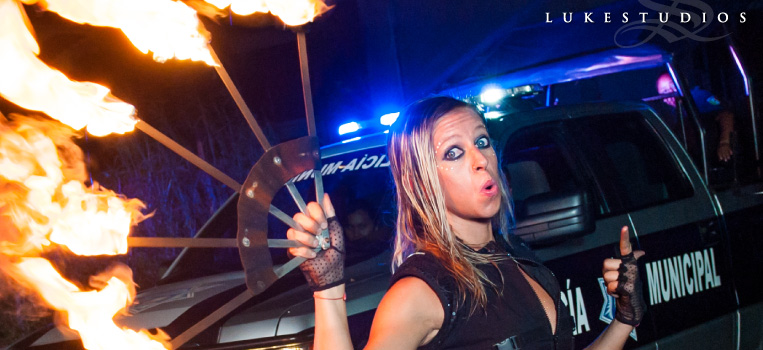 FeaturedImage-Mexico-Firedancer-Police-Policia-Car